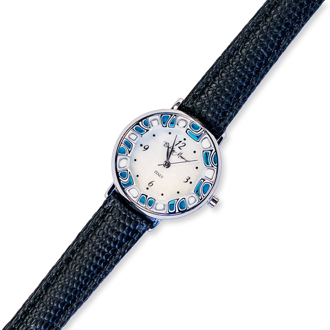 Часы на черном ремешке из муранского стекла с бело-синим ободом