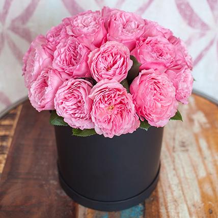 Заказать шляпную коробку с пионовидными розами Мария Терезия в Перми