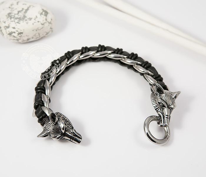Мужской браслет с волками из натуральной кожи и стали (20 см)