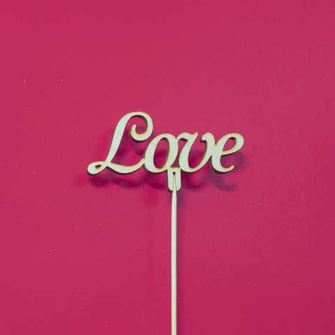 Топпер из дерева, надпись на палочке Love