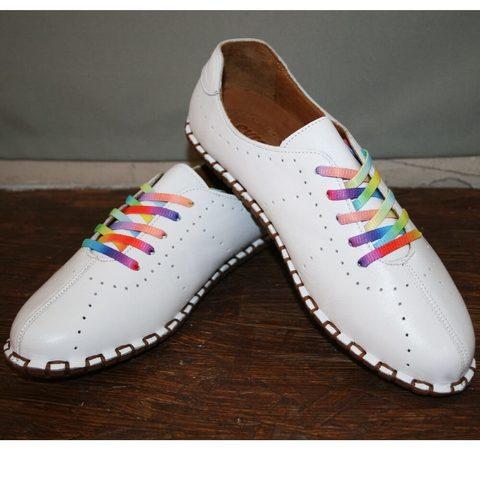 Кэжуал стиль летние туфли женские на низком ходу. Белые женские кроссовки мокасины кожаные Evromoda.