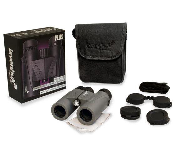 Комплект поставки бинокля Levenhuk Karma Plus 8x32: сумка, защитные крышки, салфетка