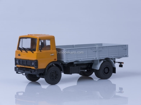 MAZ-5337 board early cabin 1987 orange-gray AutoHistory 1:43