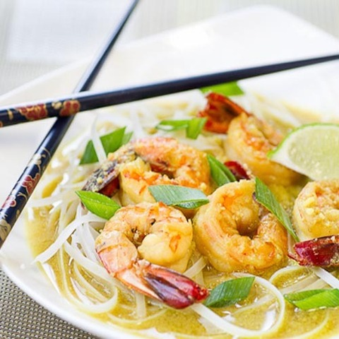 https://static-eu.insales.ru/images/products/1/4820/79680212/coconut_noodles_shrimps.jpg