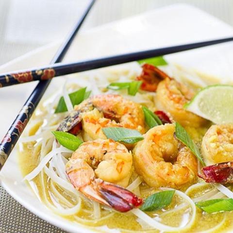 https://static-eu.insales.ru/images/products/1/4820/79680212/coconut_noodles_shrimps.jpg