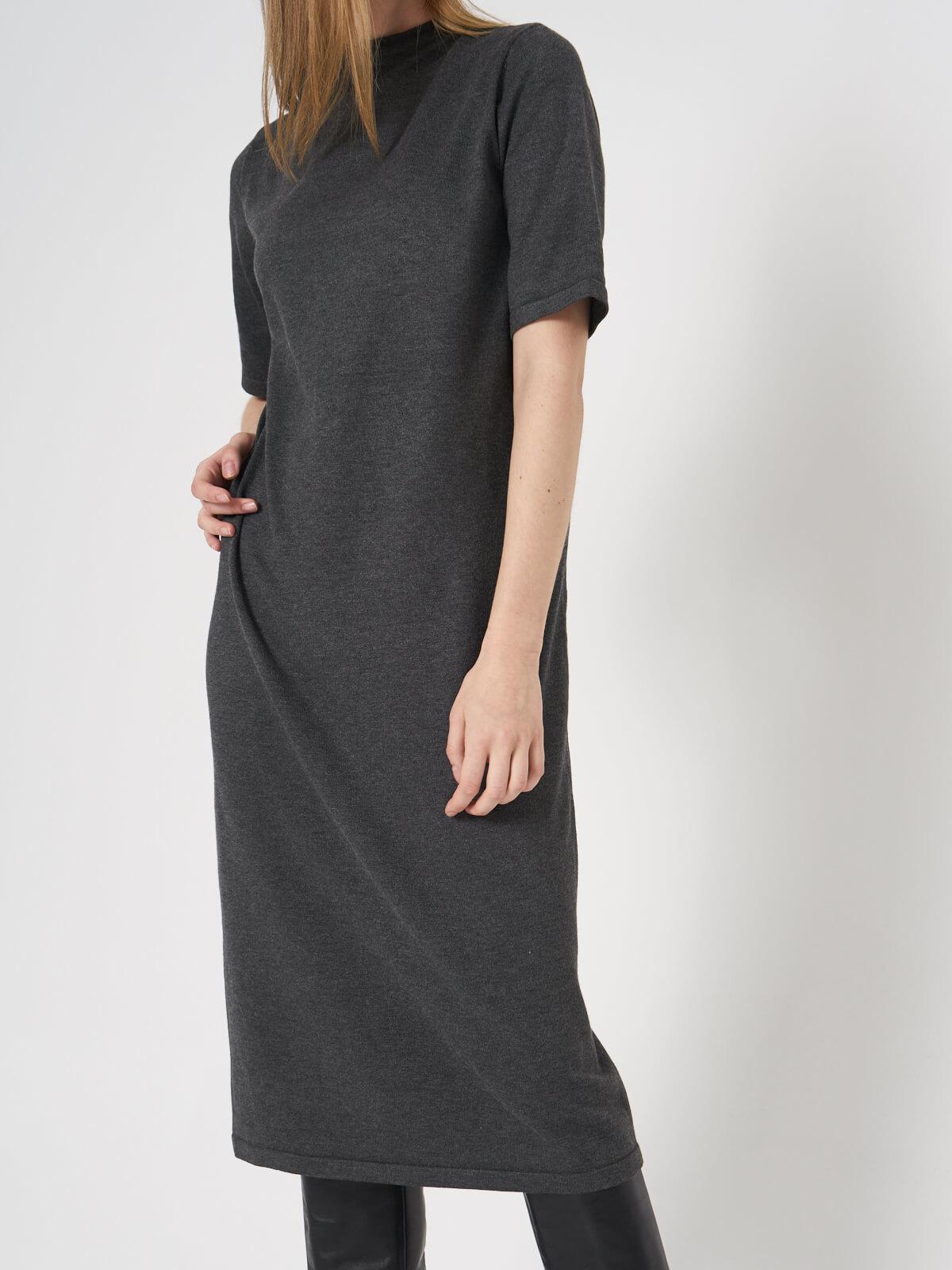 Платье трикотажное с коротким рукавом