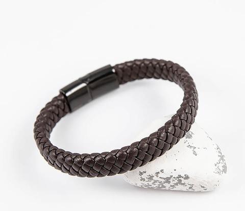Мужской коричневый браслет из плетеной кожи