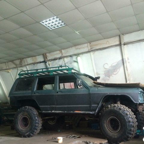 Jeep Cherokee - замена мостов, покраска раптор