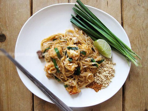 https://static-eu.insales.ru/images/products/1/4834/27603682/padthai.jpg