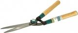 Кусторез RACO с волнообразными лезвиями и деревянными ручками