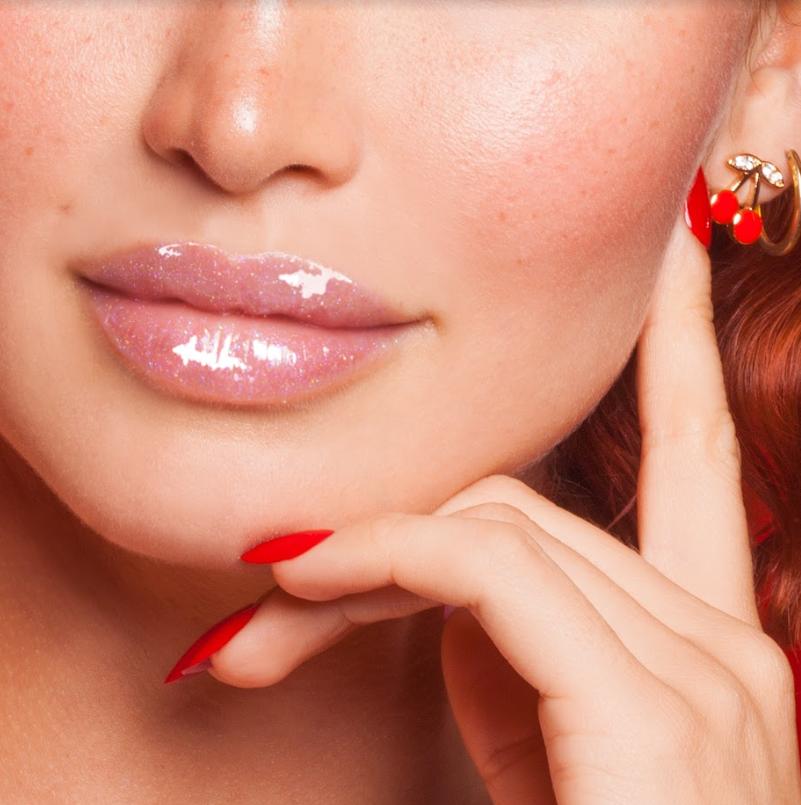 Блеск для губ Wet Cherry Lip Gloss