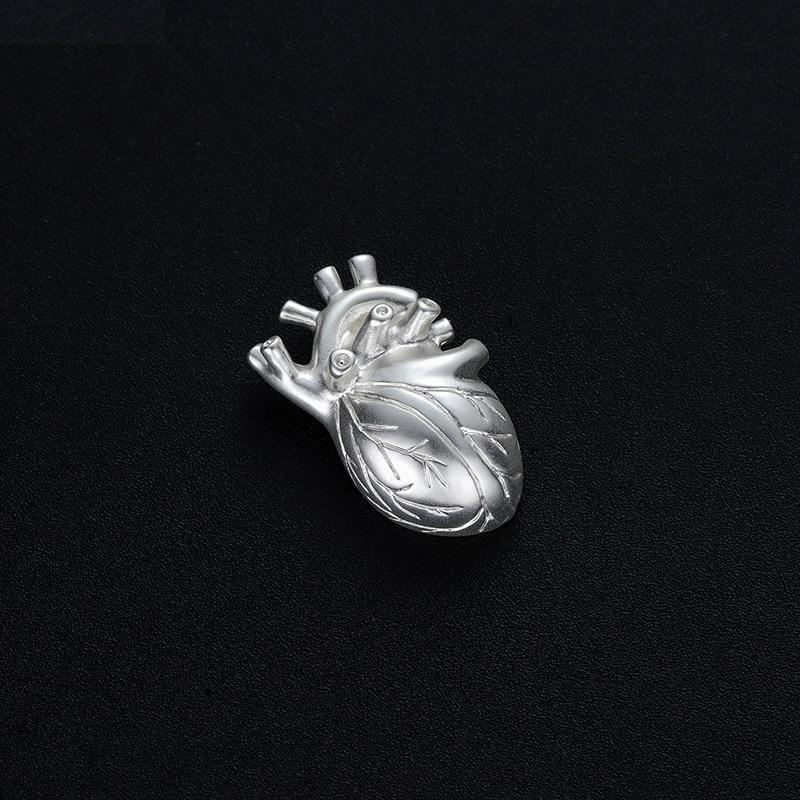 Брошь Сердце (серебряный матовый цвет)