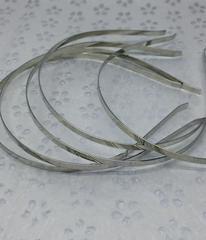 Основа - ободок 0,5 -0,8 см, металл.