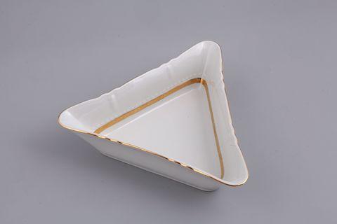 Салатник треугольный 25 см Соната Leander