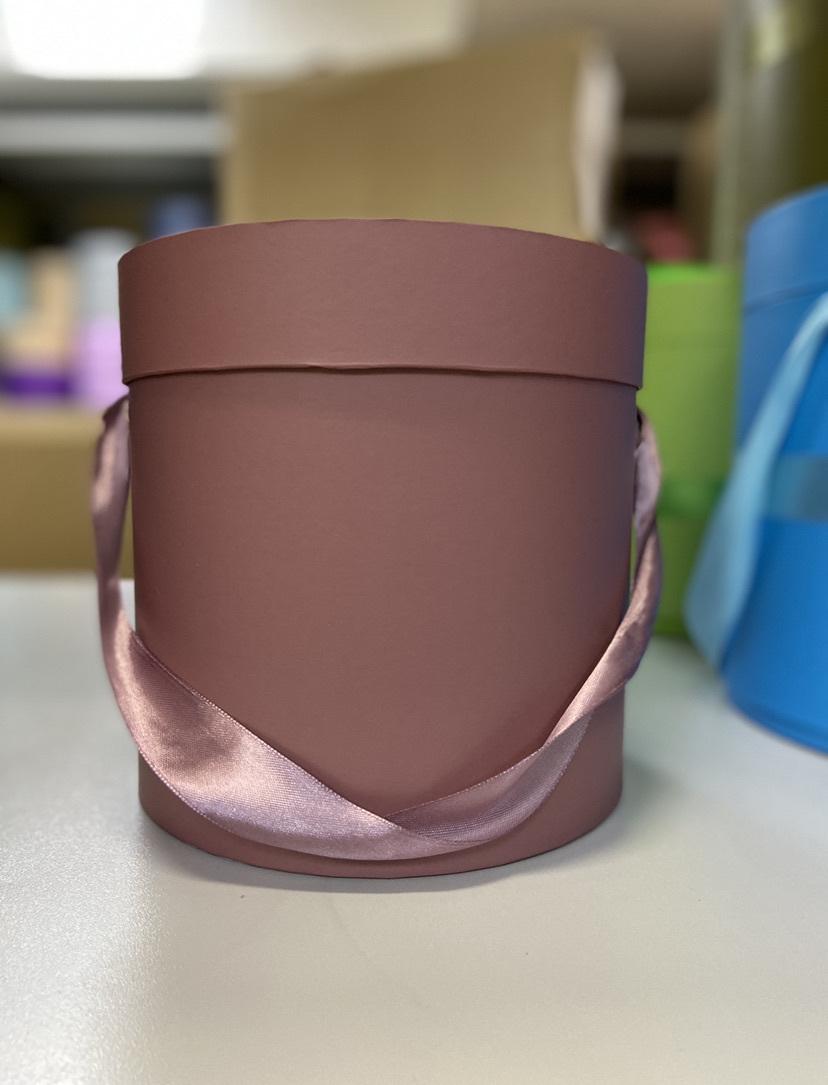 Шляпная коробка эконом вариант 20 см Цвет: Кофейный . Розница 350 рублей .