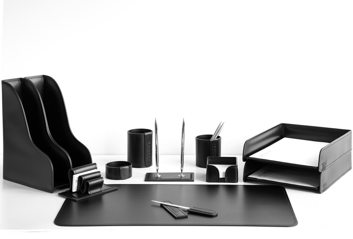 Канцелярский набор на стол руководителя артикул 1241-СТ 12 предметов, цвет черный.