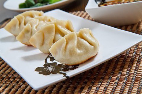 https://static-eu.insales.ru/images/products/1/4858/29012730/schuan_dumplings.jpg