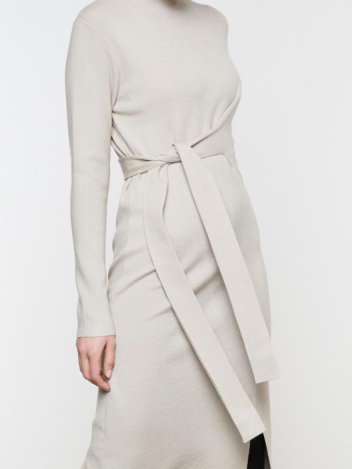 Платье трикотажное с перекрестным поясом