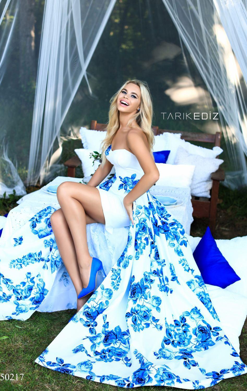 Tarik Ediz 50217 Платье с цветочным принтом, длинный и пышный шлейф