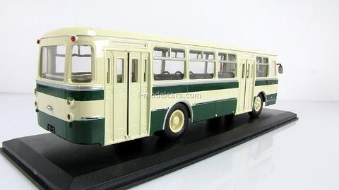 LIAZ-677 beige-green Classicbus 1:43