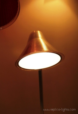 replica  Kelvine table lamp