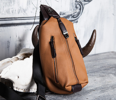 Мужская сумка из кожи за спину с одной лямкой