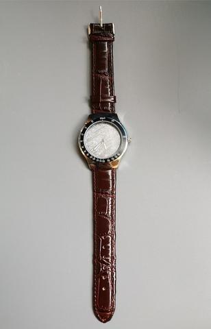 Часы с циферблатом из метеорита Гибеон