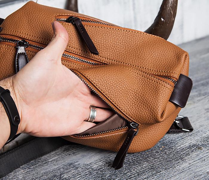 BAG422-2 Мужская сумка из кожи за спину с одной лямкой фото 07