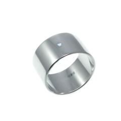 Серебряное широкое кольцо с прозрачным фианитом