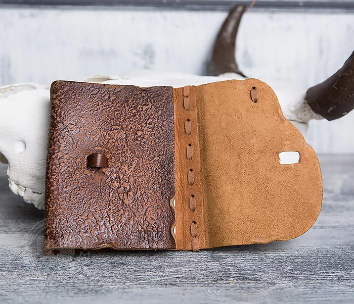 BY01-04-02 Блокнот «Охотник» с обложкой из натуральной кожи с застежкой - клыком (А6) фото 06