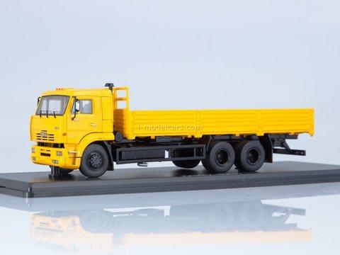 KAMAZ-65117 flatbed truck (early) yellow 1:43 Start Scale Models (SSM)