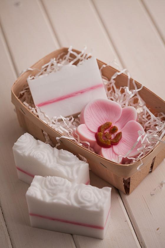 Мыло с розами. Пластиковая форма под нарезку
