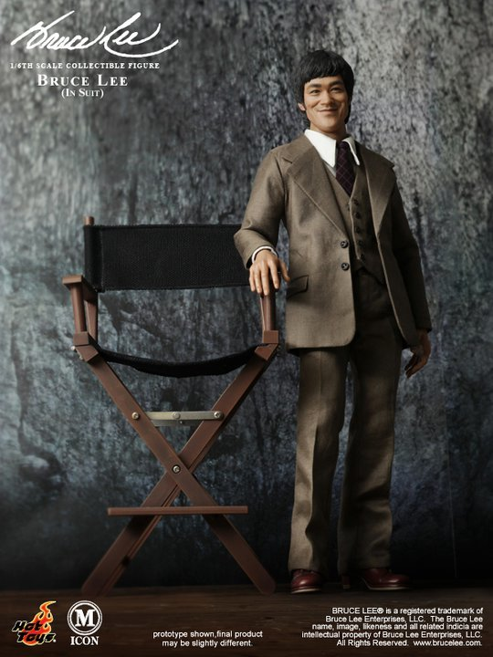 Bruce Lee - In Suit