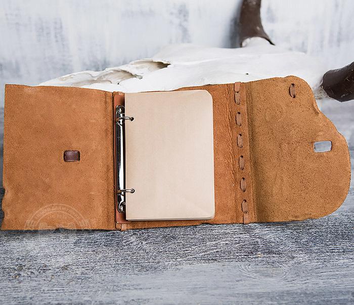 BY01-04-02 Блокнот «Охотник» с обложкой из натуральной кожи с застежкой - клыком (А6) фото 07