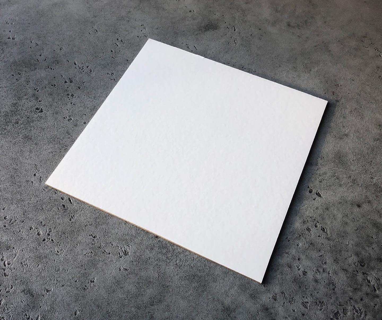Подложка квадратная белая/золотая 20 см, 3,2 мм