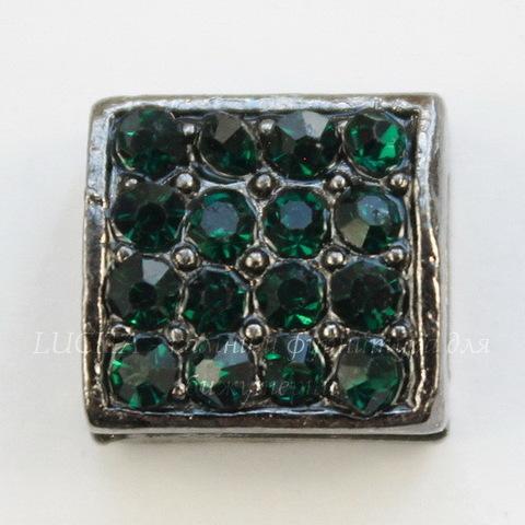Разделитель квадратный с зелеными стразами (цвет - черный никель) 10х10х5,5 мм