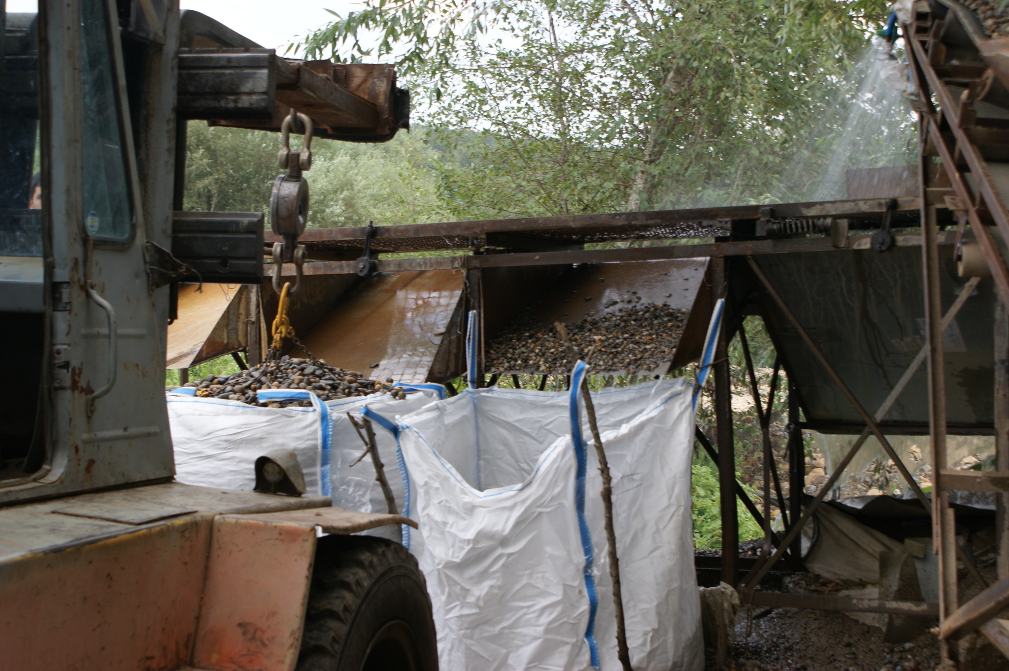 Производство Галька камень речной Серый сортировка и промывка