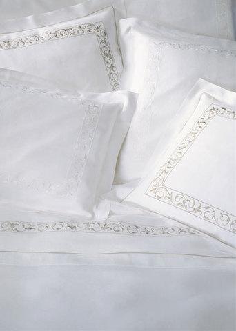 Пододеяльник 155х200 Christian Fischbacher Luxury Nights 768 белая вышивка