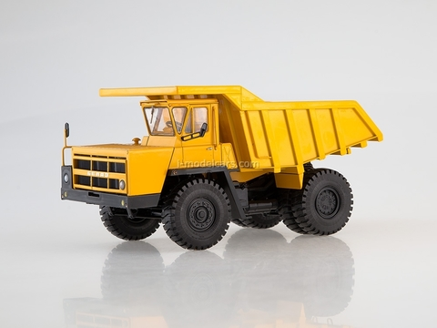 BELAZ-7522 Dumper later yellow 1:43 Dealer models BELAZ