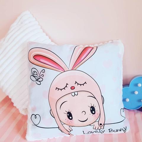 Декоративная подушка с детским принтом