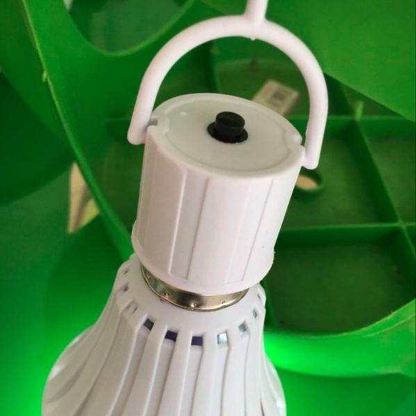Лампочка ECOLAMP + крючок с выключателем