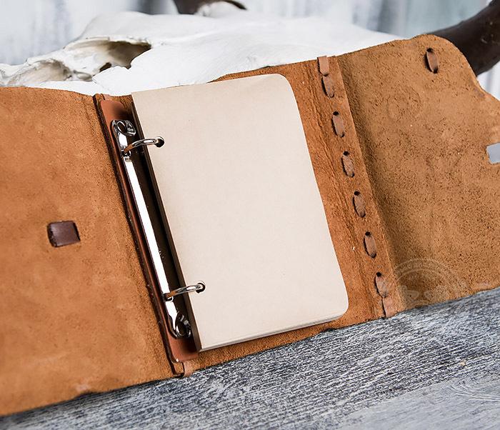 BY01-04-02 Блокнот «Охотник» с обложкой из натуральной кожи с застежкой - клыком (А6) фото 08