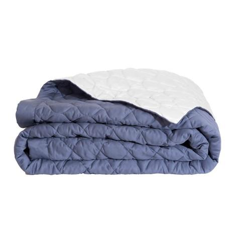 Alexandre-turpault-couvre-lit-matelasse-montaigne-marine-platine.jpg