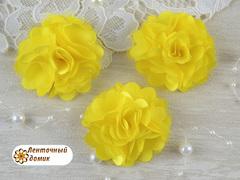 Цветы атласные с фатином желтые диаметр 5 см