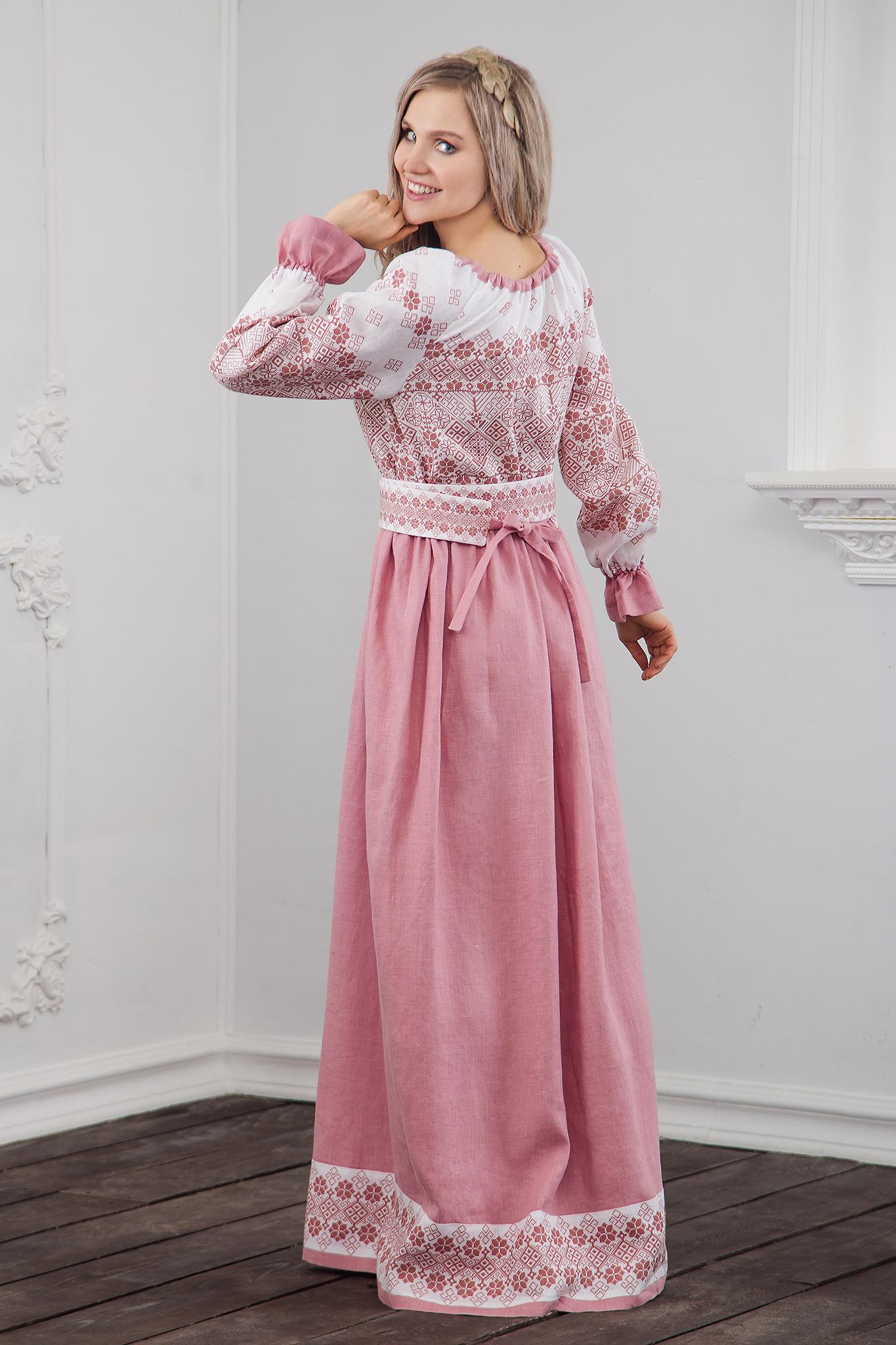 Платье традиционное Дары солнца в розовом вид сзади
