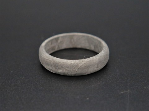Кольцо из метеорита Муонионалуста. Размер 20