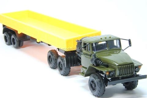 Ural-44202 with semitrailer khaki-yellow Elecon 1:43