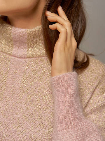 Женское платье светло-розового цвета с объемными рукавами - фото 3