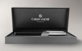 Шариковая ручка Carandache Madison Bicolor Black SP латунь посеребрение с родиевым напылением (4680.456)