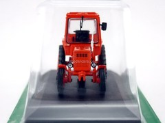 Tractor T-25A Vladimirets red 1:43 Hachette #10